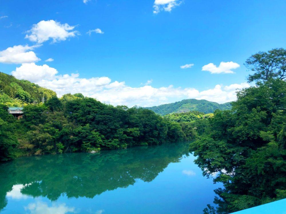 神川の風景